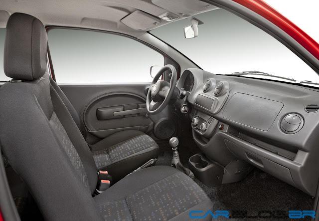 Fiat Uno Vivace 2013 - por dentro