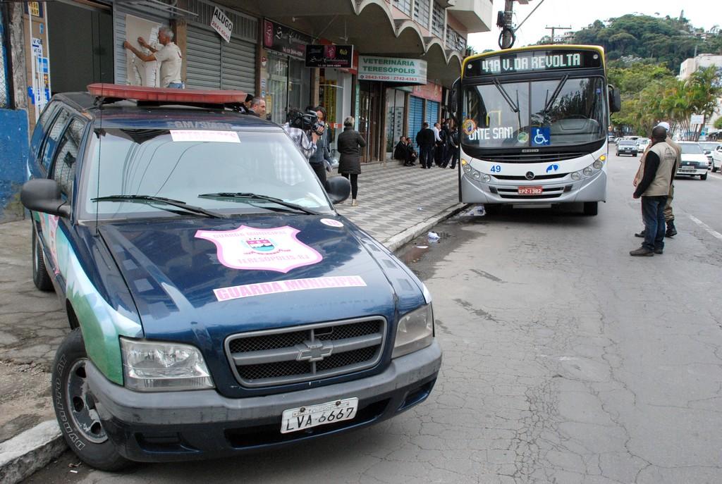 Secretaria de Segurança Pública faz operação para fiscalizar ônibus