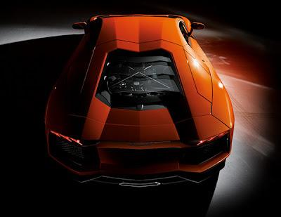 Lamborghini-Aventador-Up