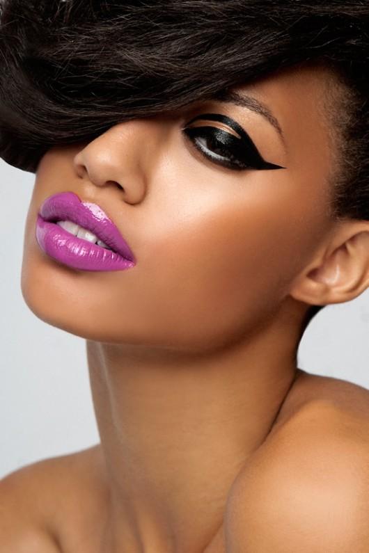 Dark purple lips makeup