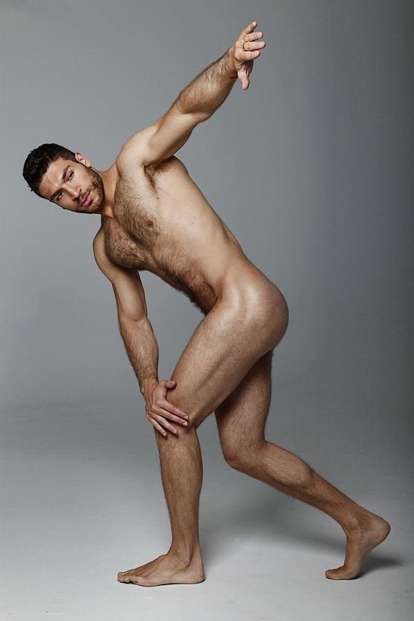 http://4.bp.blogspot.com/-eAuvRCtHBl8/TVqwTGQsmII/AAAAAAAALAI/kXzL1WzqYbU/s1600/valerio-pino+almost+nude.jpg