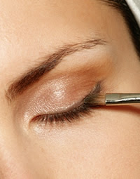 How to Apply Pencil Eyeliner