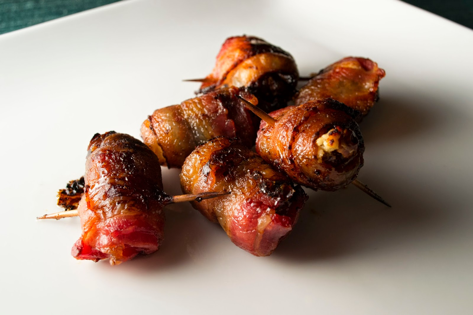 Mangiandobene: Bacon Wrapped Stuffed Dates