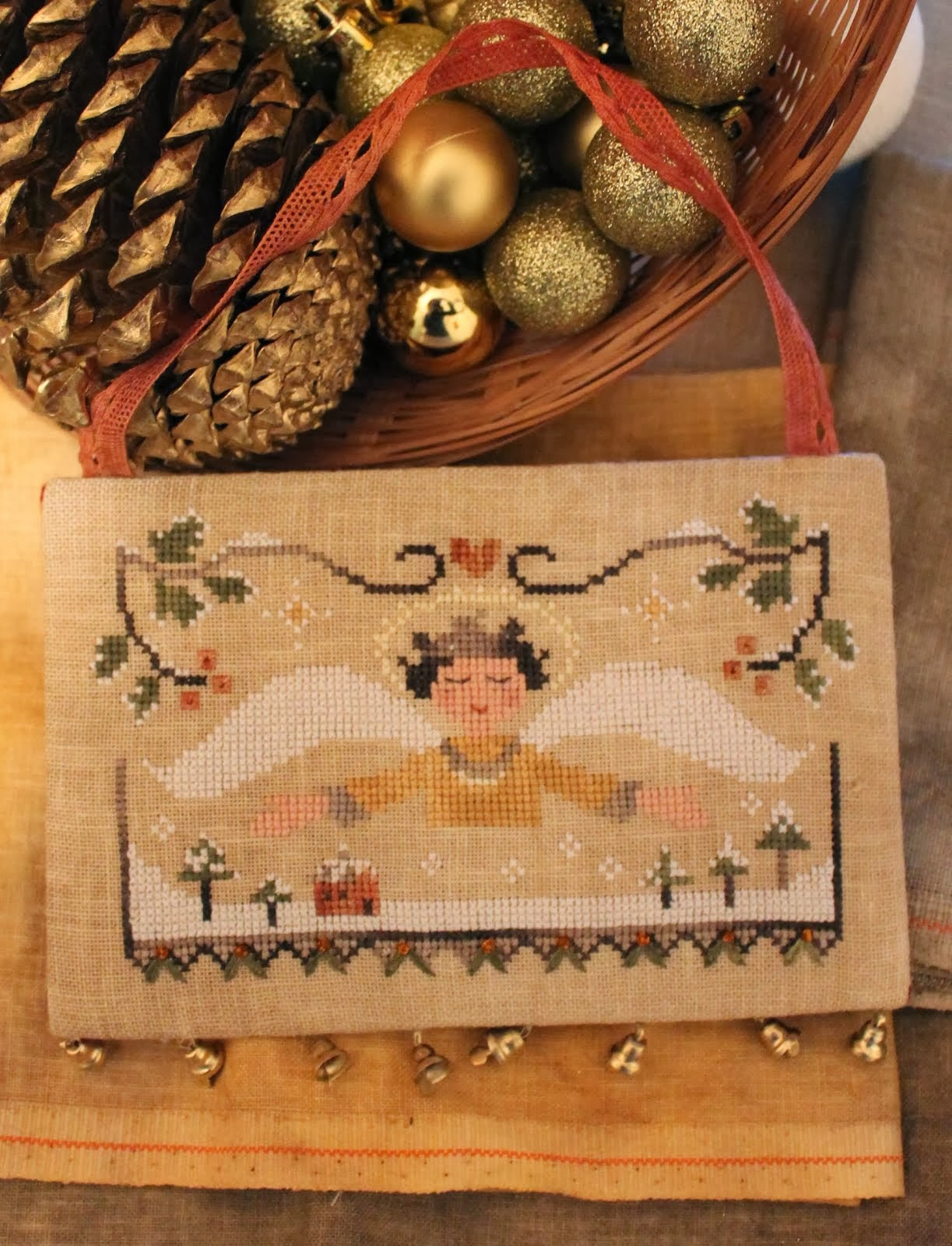 CHRISTMAS PATTERN: Angel's Blessing