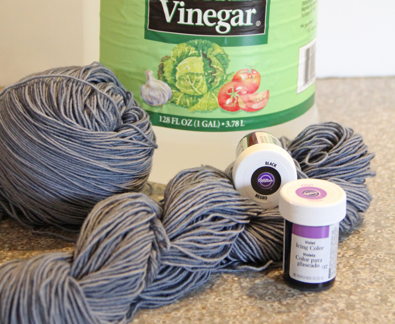 Nelkin Designs Blog: Dyeing a Long Gradient Yarn at Home with Food Dye!
