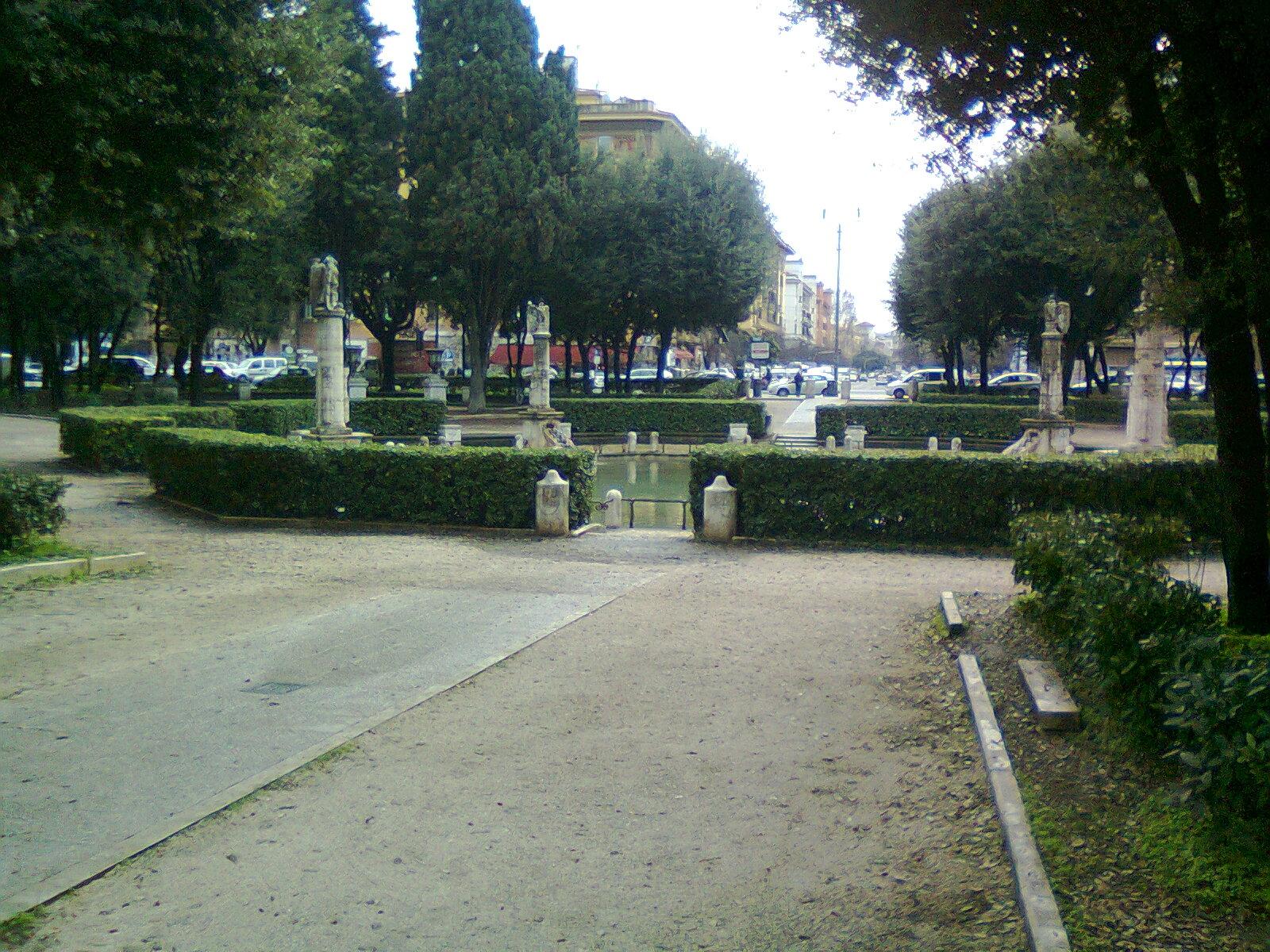 In bici per roma maggio 2012 - Mercatino di natale piazza mazzini roma ...