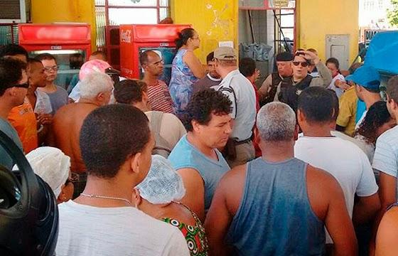 Assalto a posto de combustível na cidade de Jequié (Foto: Jean Karlos / Blog Marcos Frahm)