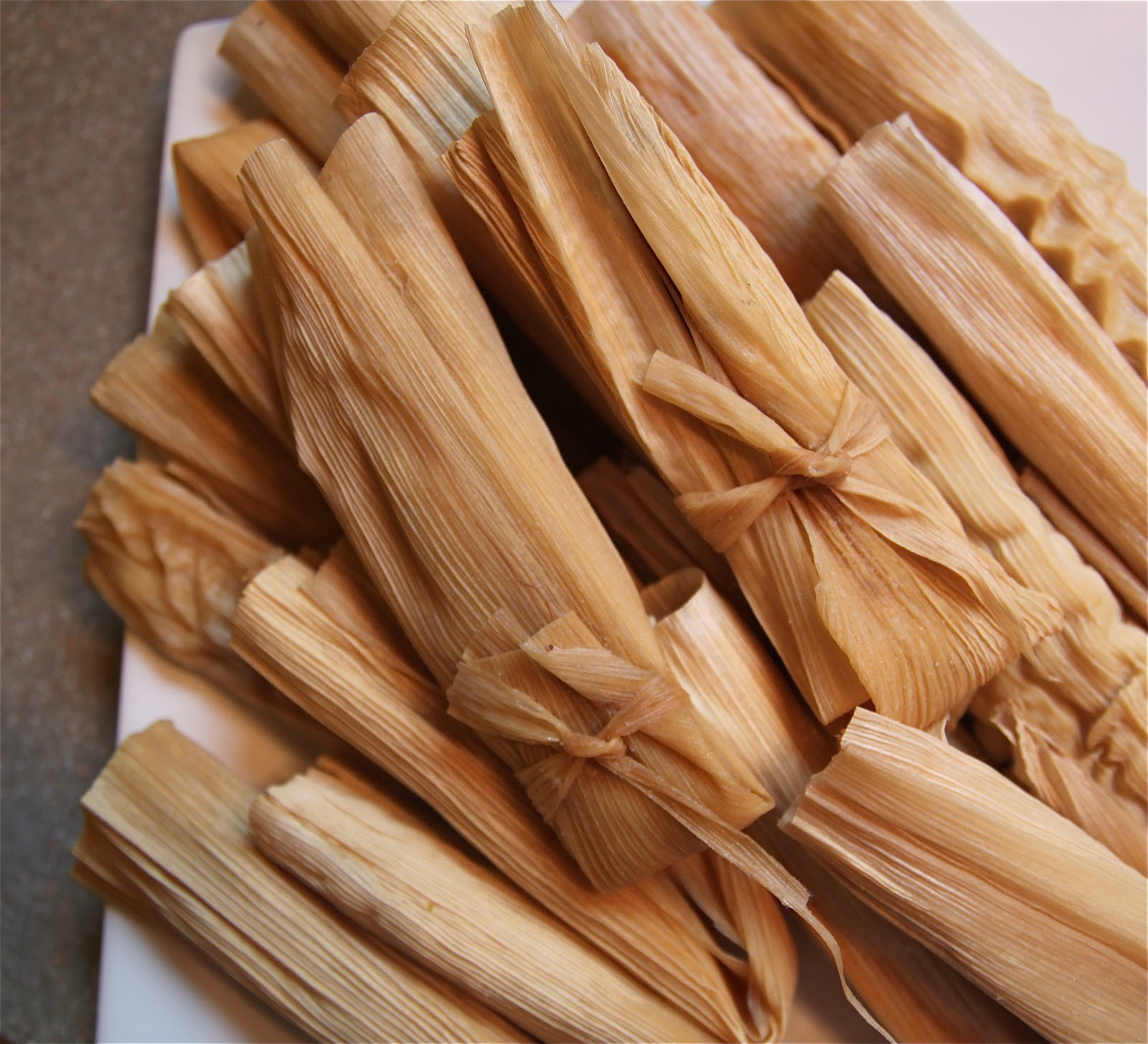 Recipe Uncle Bills Red And Green Chile Pork Tamales The Cottage Mama