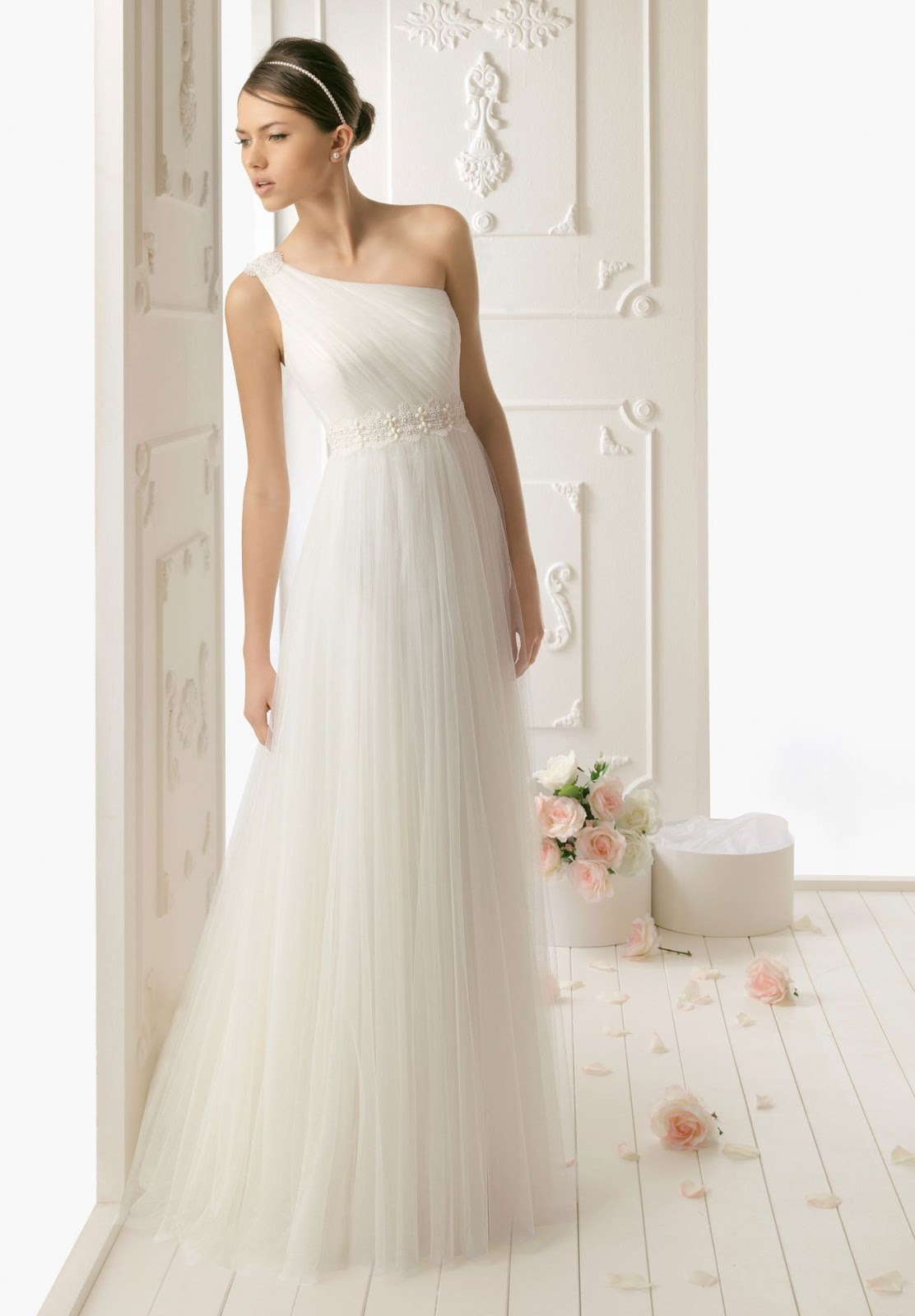 ethereal tulle simple wedding dress