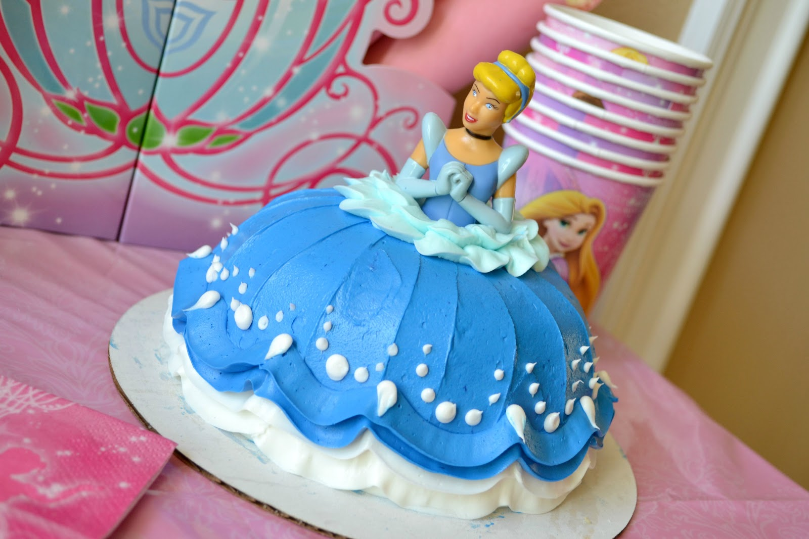 Mommy Testers Disney Princess DreamParty Cinderella DecoPac Cake