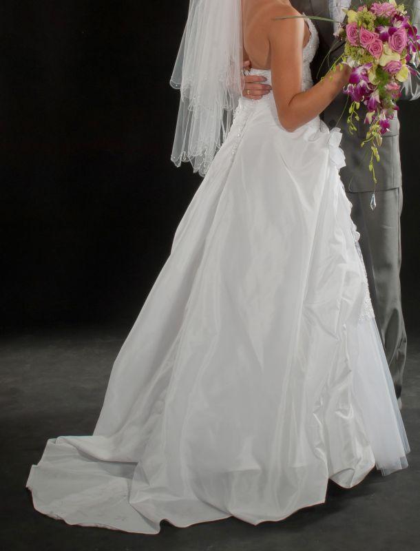 Suknie ślubne Vestido Tafta Koronki I Tiul Lekko Drapowana