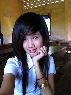 Youko Saki Lin Facebook Cute Girl Student Uniform Photo 9