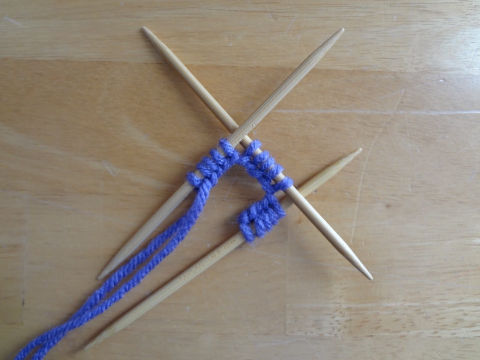 Knitting On The Round Double Pointed Needles : Knitting in the round with double pointed needles