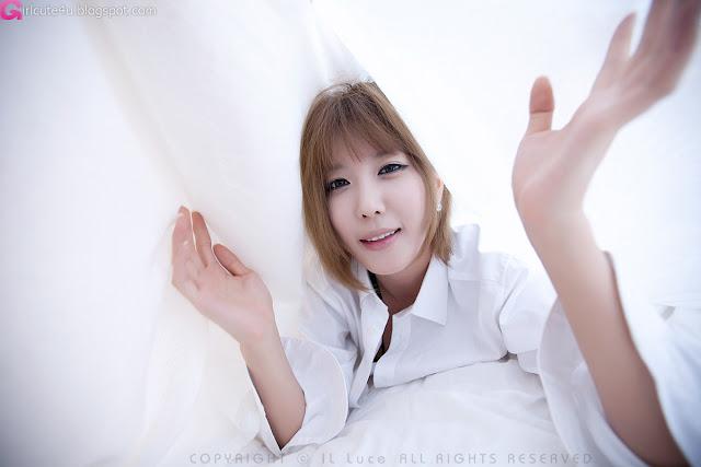 Heo-Yun-Mi-Between-the-Sheets-03-very cute asian girl-girlcute4u.blogspot.com