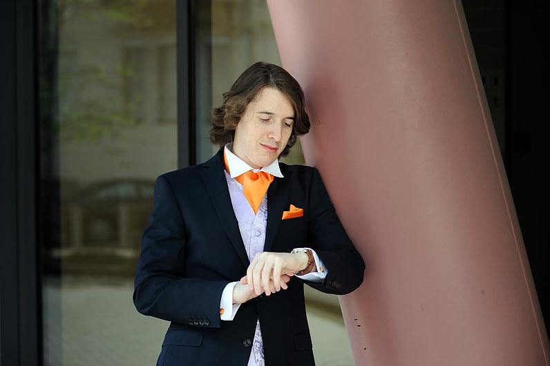 vestuvės su orandžinėmis detalėmis