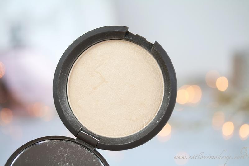 Becca Shimmering Skin Perfector™ Pressed Moonstone