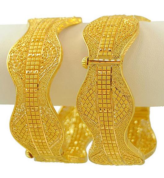 Trendy Wedding Gold Chur Design