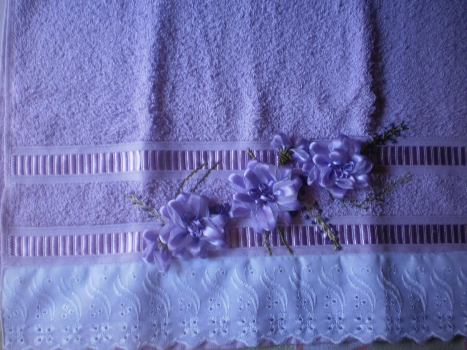 Arte Brasil Tapete Cinderela : VARIEDADES DO ARTESANATO: Toalhas bordadas flor de fita