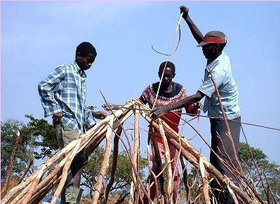 Angola: UM MILHÃO DE CASAS EM 2008 – TALVEZ DOIS MILHÕES EM 2012