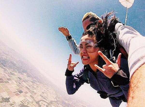 Kim Chiu fulfills dream - to skydive
