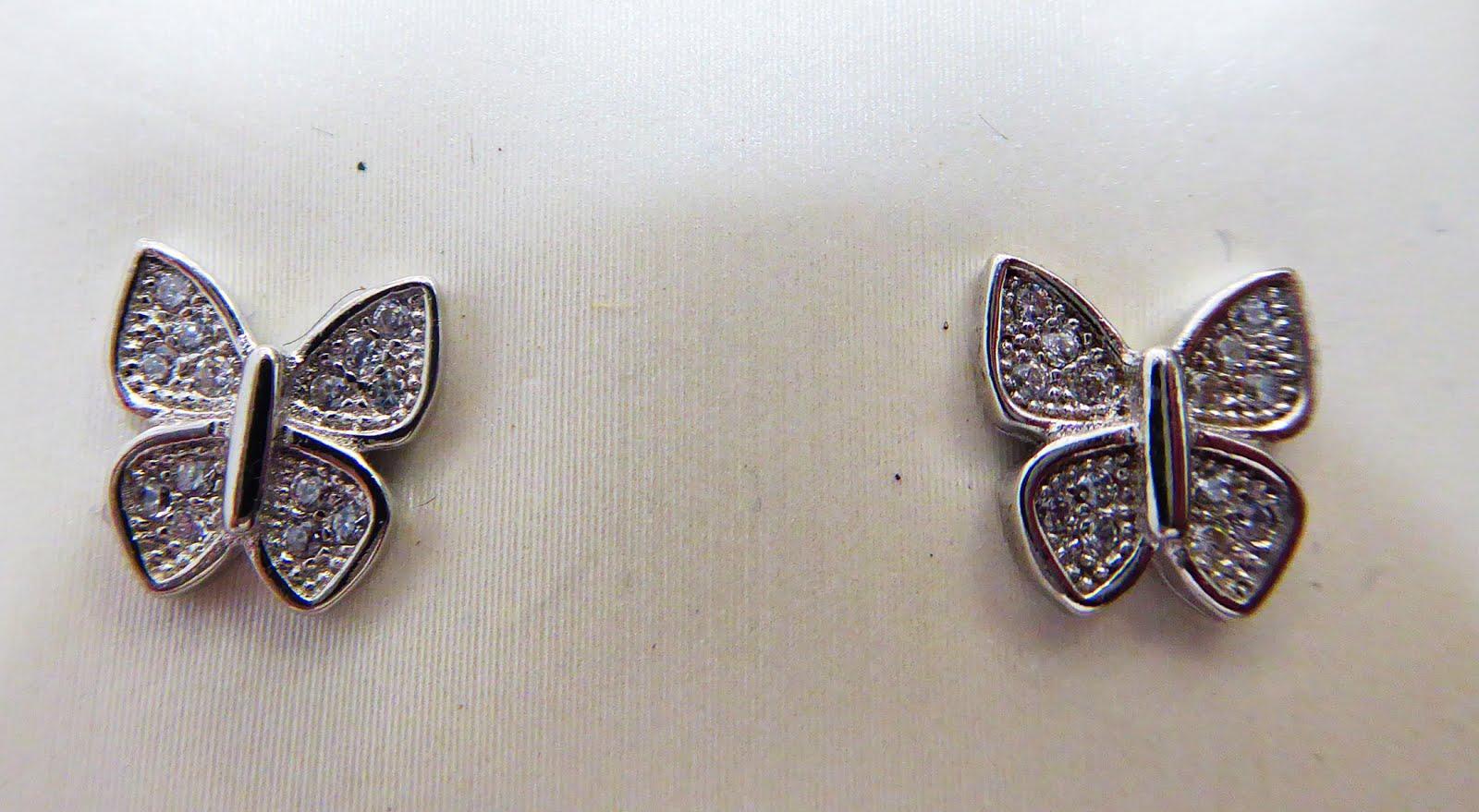 Pendientes con forma de mariposa