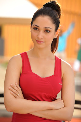 tamanna milky in saree spicy in racha unseen pics
