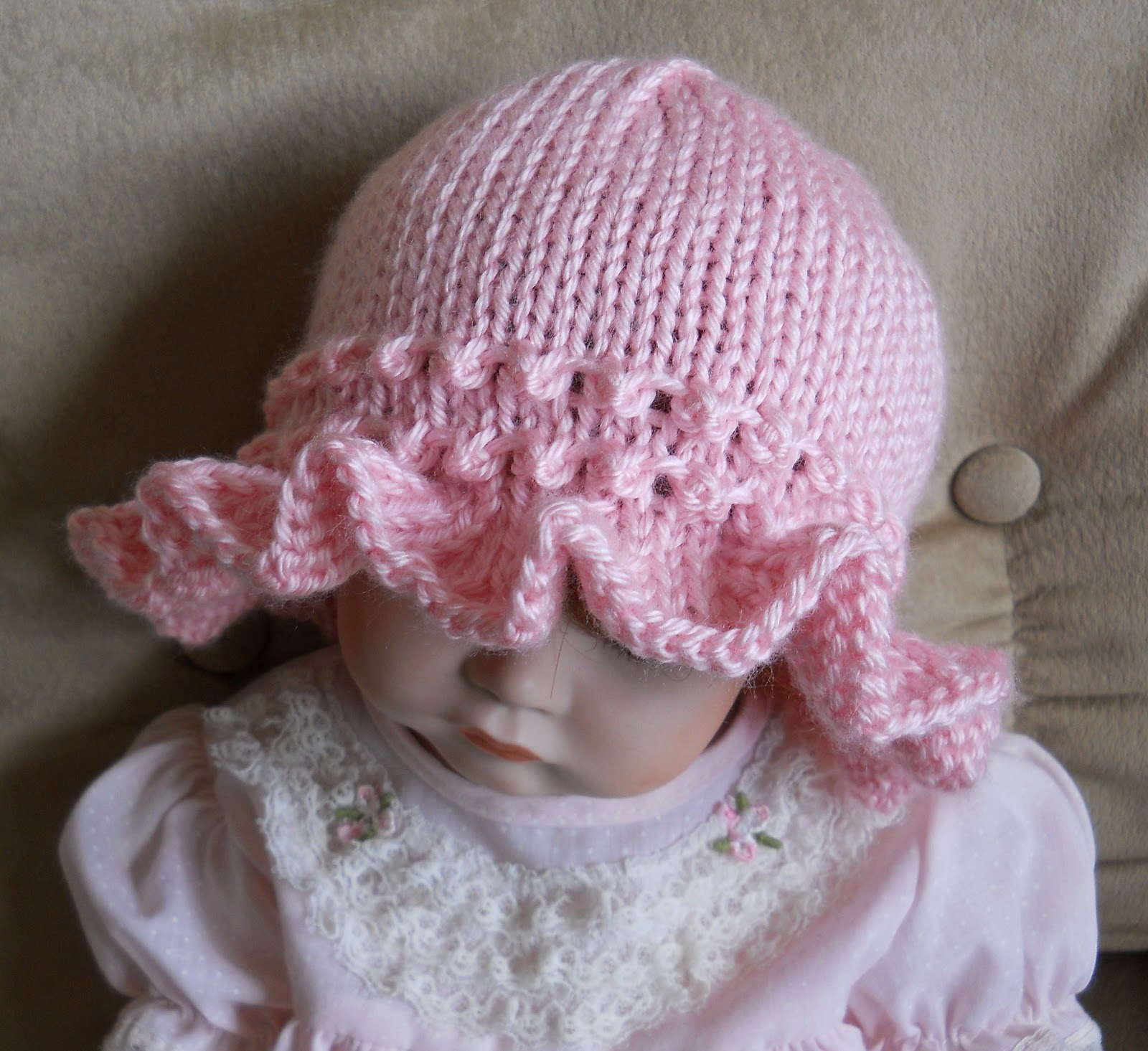 Knitting Pattern For Baby Hat With Brim : Suzies Stuff: RUFFLE BRIM CAP