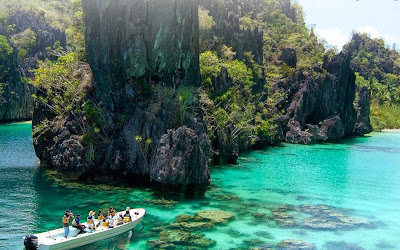 Boat Ride Through El Nido Caverns