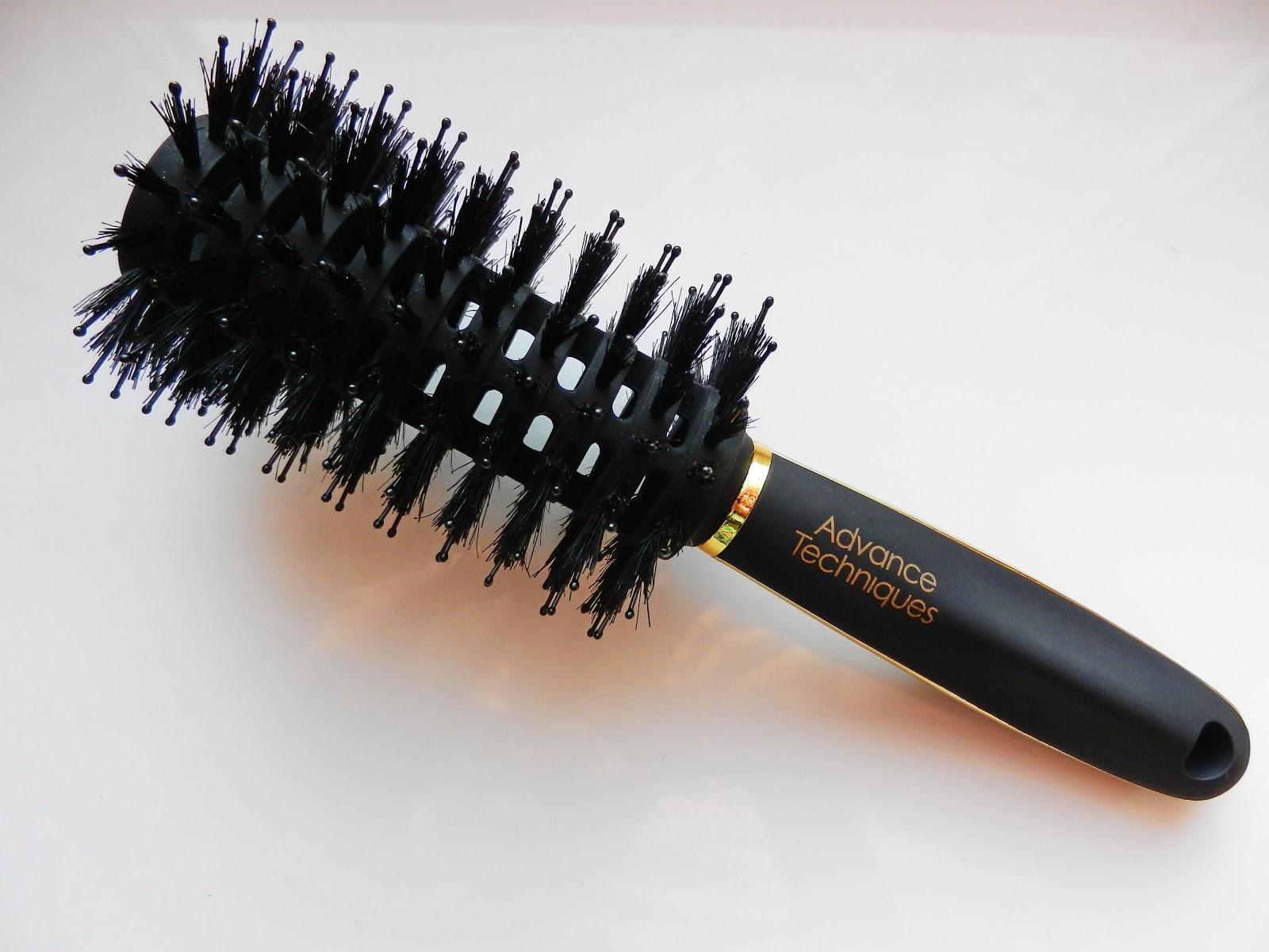 Круглая щетка для укладки волос