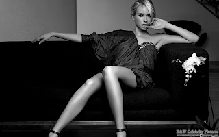 Naomi Watts - Black and white picture 1