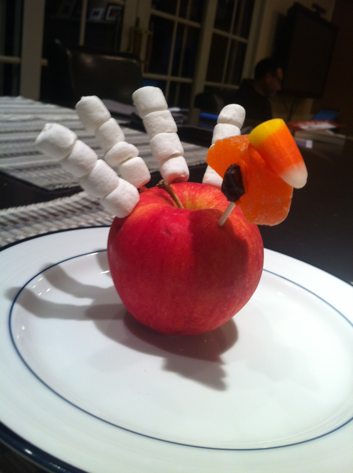 turkey apples and thanksgiving freebie