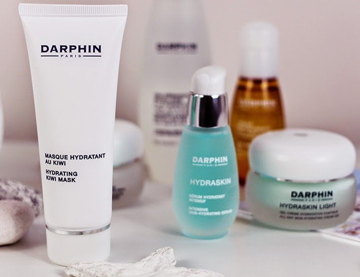 A beauty blog account of the LookFantastic and Darphin Google Hangout Feature plus review of Darphin products