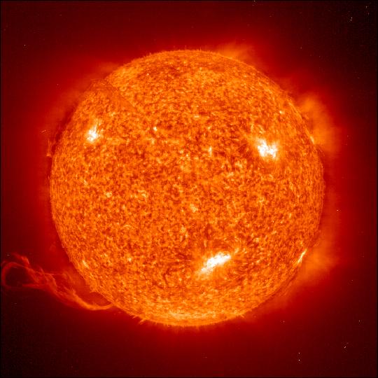 172 000 000 км від землі маса сонця