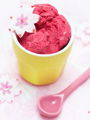 Frambuazlı Ballı Naneli Dondurma Tarifi