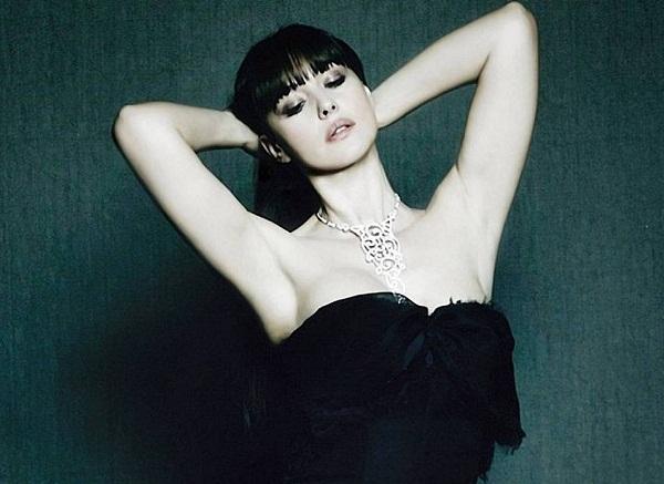 Monica Bellucci Bold Image