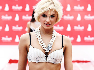 Lena Gercke Photos