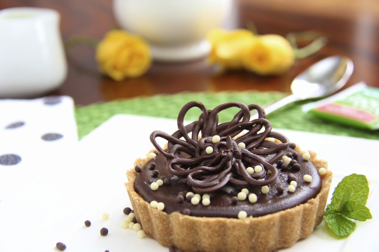 Peanut Butter Tart w/ Shortbread Crust & Chocolate Ganache Glaze - The ...