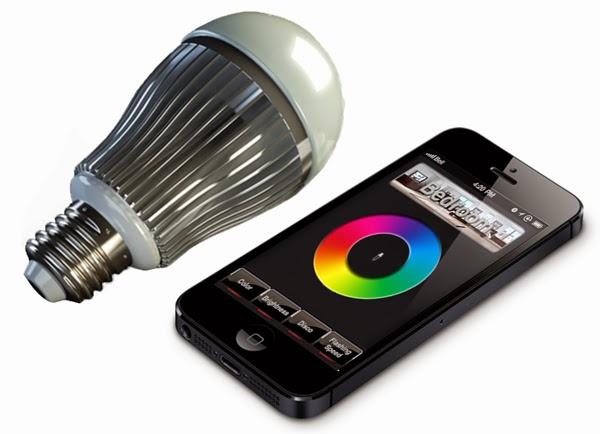 Attraverso I Comandi Inviati Via Internet Dallo Smartphone Alla Lampadina  Led è Possibile Regolarne Lu0027intensità Luminosa, Il Colore Della Luce E La  Sua ...
