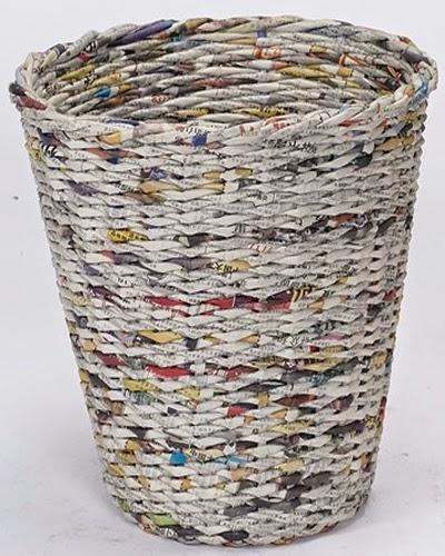 Membuat Keranjang Sampah dari Kertas Bekas