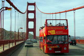 sanfrncisco-sightseeing bus-tour-goldengate-bridge