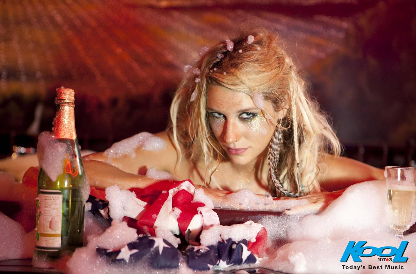 http://4.bp.blogspot.com/-eFdHTfsimI0/UFmmNiYAnpI/AAAAAAAADGQ/NHlP_CLI2kM/s1600/Kesha-Wallpapers-2010-2.jpg