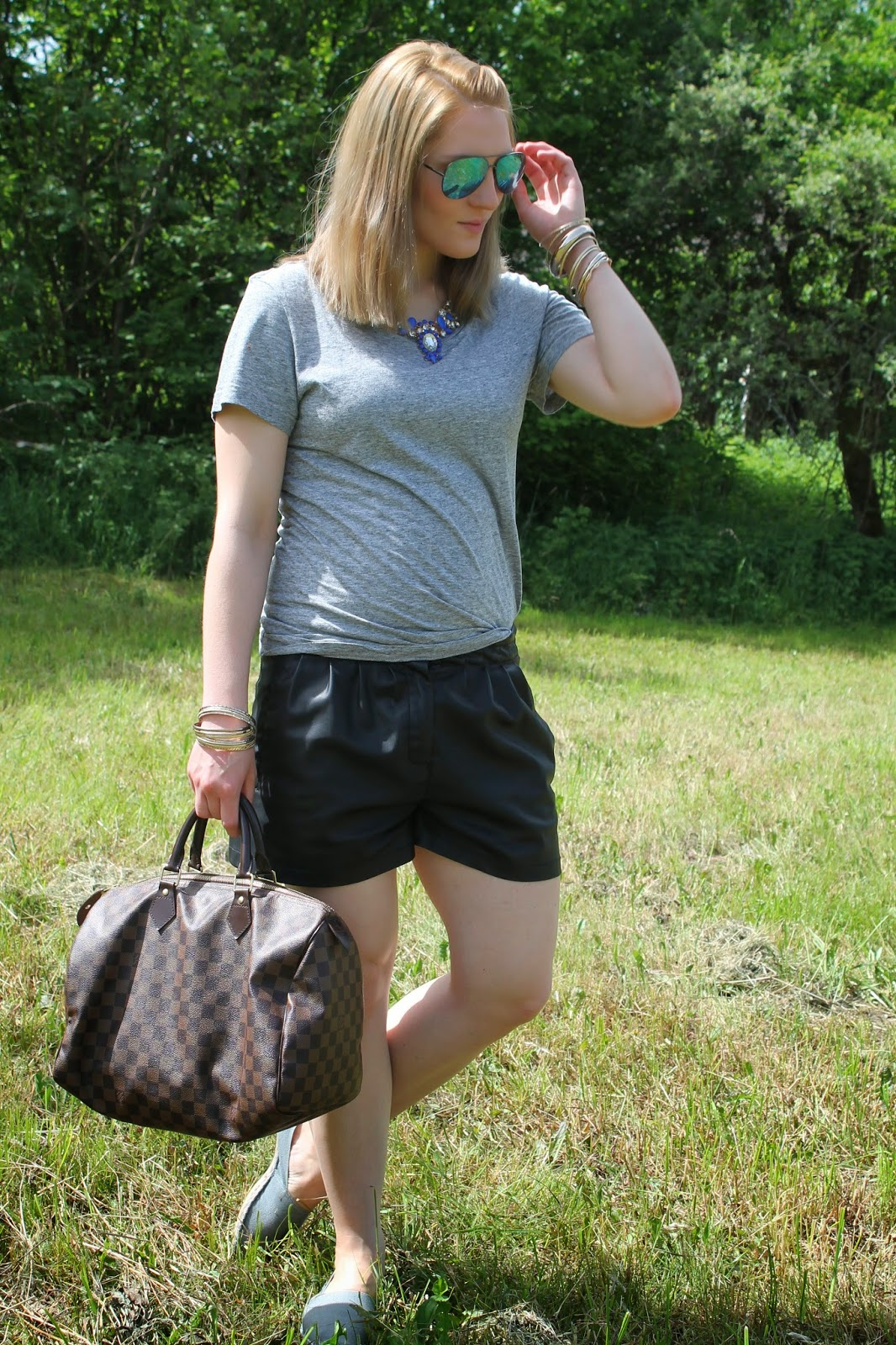 Fashionblogger Austria / Österreich / Deutsch / German / Kärnten / Carinthia / Klagenfurt / Köttmannsdorf / Spring Look / Classy / Edgy / Summer / Summer Style 2014 / Summer Look / Fashionista Look / Oasap / Statement / H&M / Leather Short / Grey Basic / Zara / Espadrillas / Espadrij / Louis Vuitton Speedy Damier Ebene 35