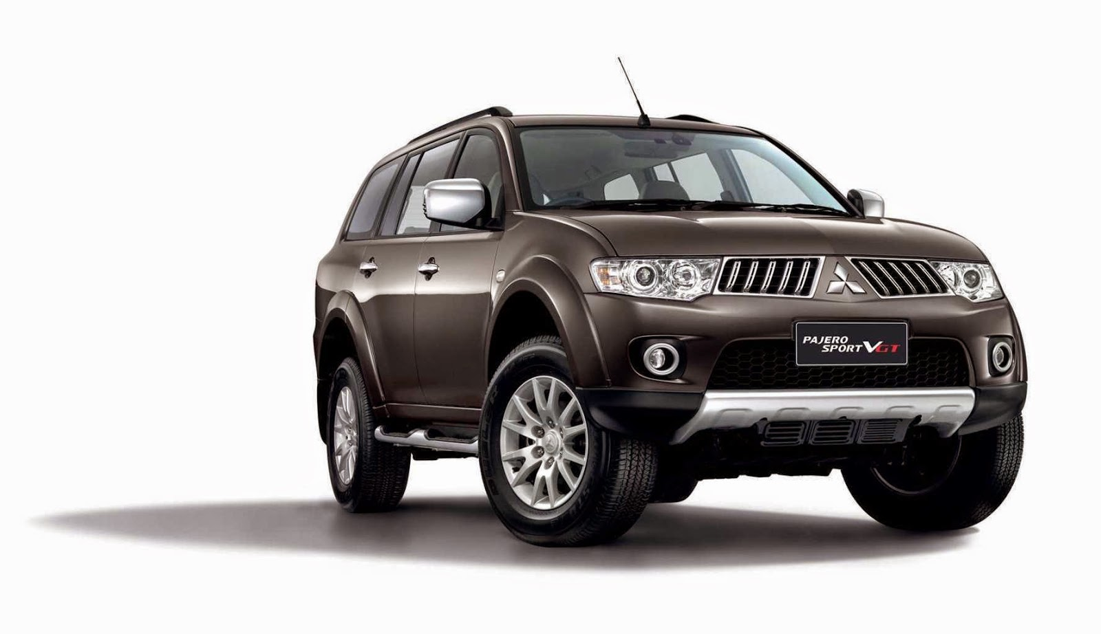 road crazz mitsubishi pajero sport full review specs price details etc. Black Bedroom Furniture Sets. Home Design Ideas