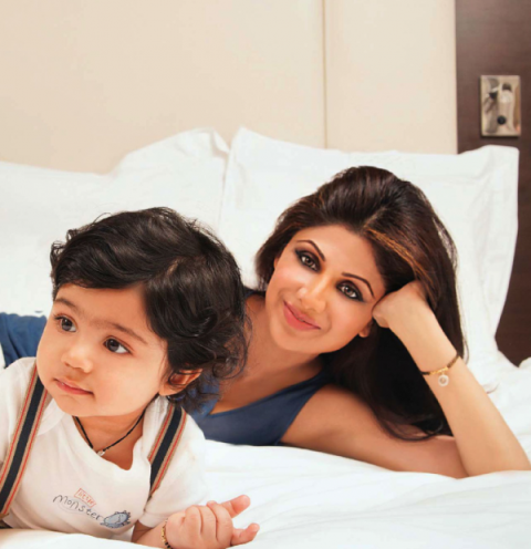 Shilpa Shetty's Photoshoot with her son Viaan Kundra! 935044_238285942978635_463794903_n