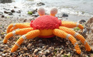 2000 Free Amigurumi Patterns: The little crab coconut ...