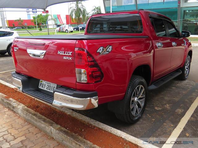 Toyota Hilux SRX A/T 2016 - traseira