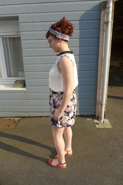 tenue short fleuri