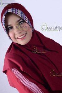 Saqina Kayla Marsha - Marun (Toko Jilbab dan Busana Muslimah Terbaru)