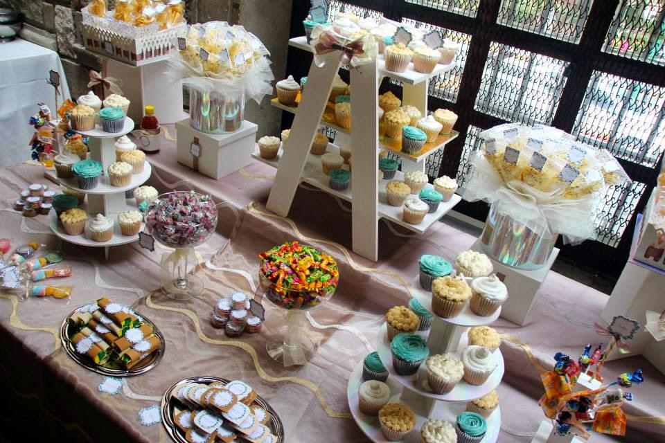 Mesa de dulces y cupcakes boda - okmira