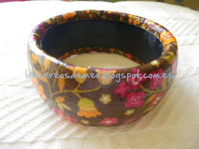 Pulsera decorada con servilleta y decoupage